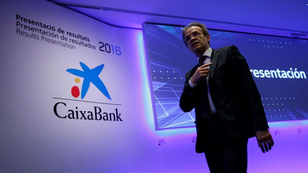 Los bancos se 'comen' la mitad de la colocación de CaixaBank por el precio