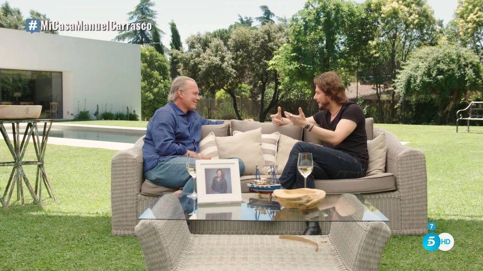 Foto: Manuel Carrasco y Bertín Osborne en 'Mi casa es la tuya'. (Mediaset España)