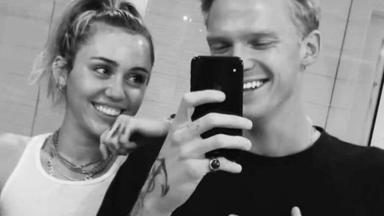 Cody Simpson y Miley Cyrus. (Instagram @codysimpson)