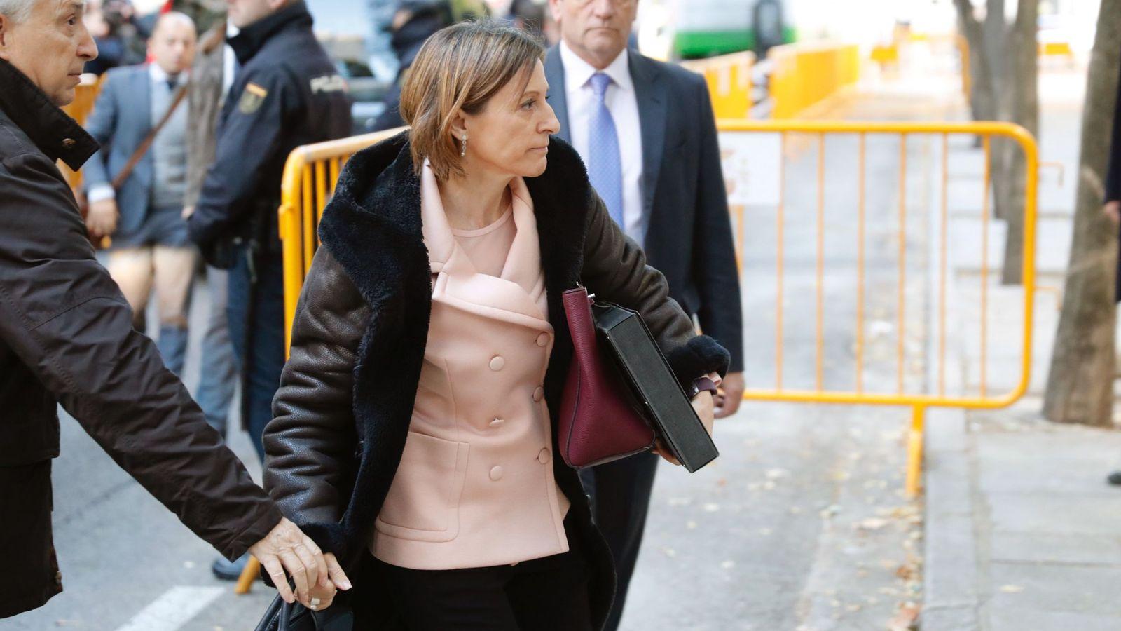 Foto:  La presidenta del Parlament, Carme Forcadell, a su llegada hoy al Tribunal Supremo. (EFE)