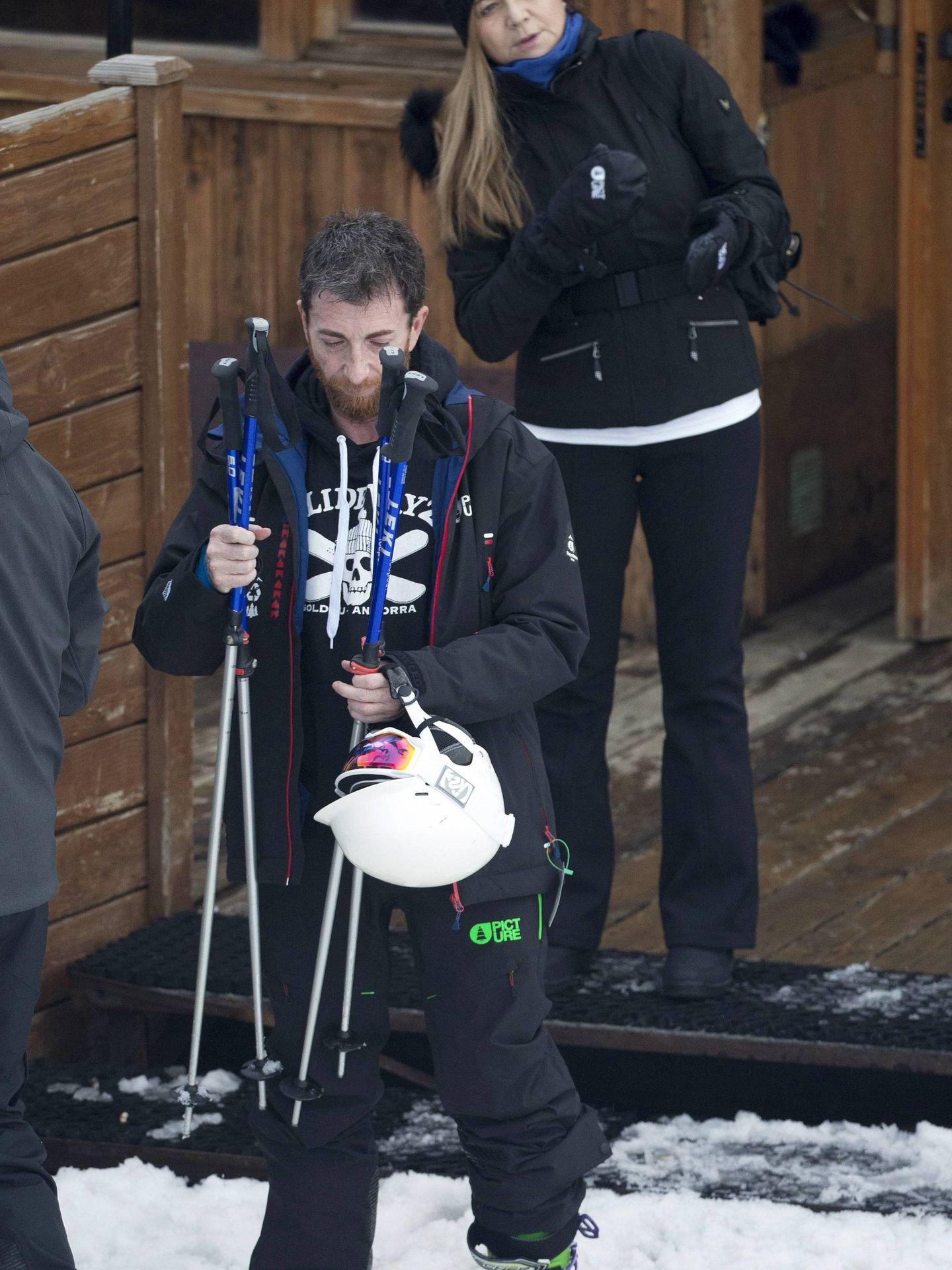 Pablo Motos y Laura Llopis, esquiando. (Cordon Press)