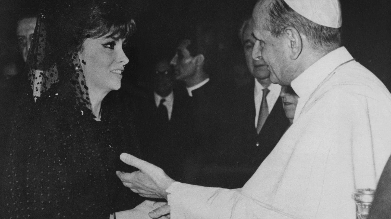 La actriz con otro Papa, Pablo VI, en 1967. (Getty)