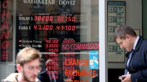 La lira turca cae a mínimos históricos tras insistir Erdogan en bajar los tipos