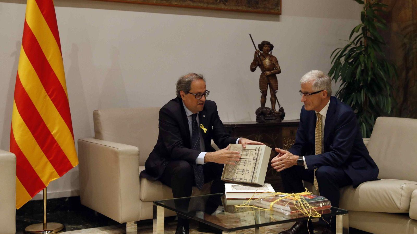 Foto: El presidente de Cataluña, Quim Torra, y el presidente de Flandes, Geert Bourgeois, el pasado mes de julio en el Palau. (EFE)