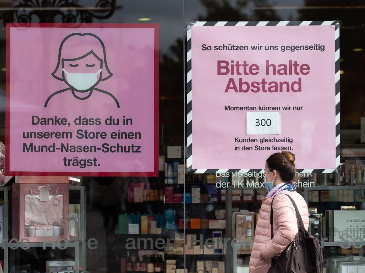 Foto: Un cartel con el uso de mascarilla en Berlín. (EFE)