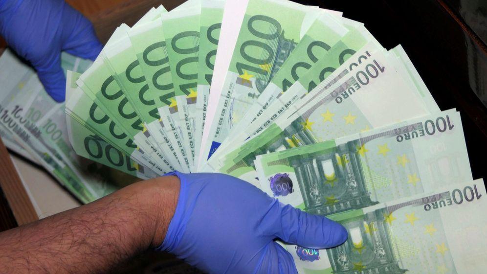 Foto: Decomiso de billetes falsos de euro. (EFE)