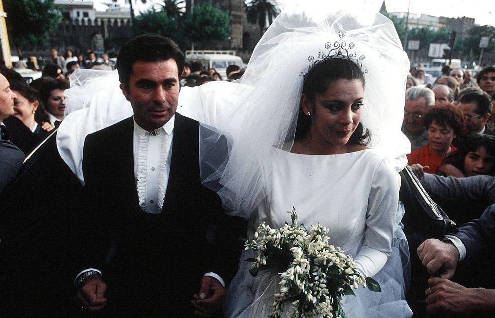 Foto: Isabel Pantoja y Paquirri en el día de su boda.(Gtres)