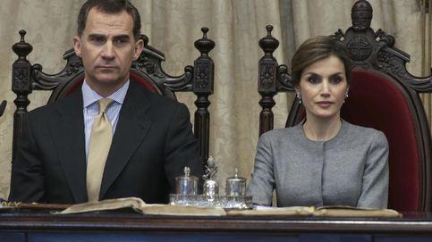 Felipe y Letizia disfrutan del teatro con una obra sobre política y corrupción