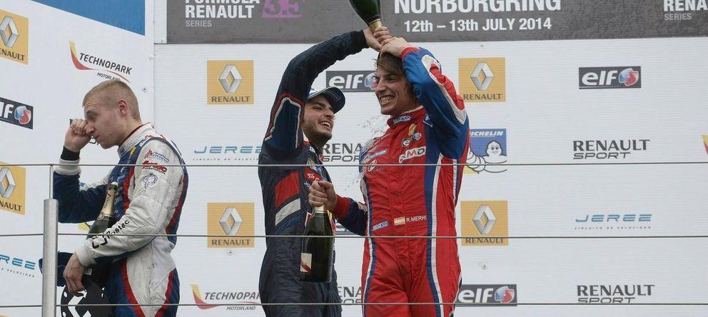 Foto: Carlos Sainz Jr y Roberto Merhi en el podio de Nurburgring
