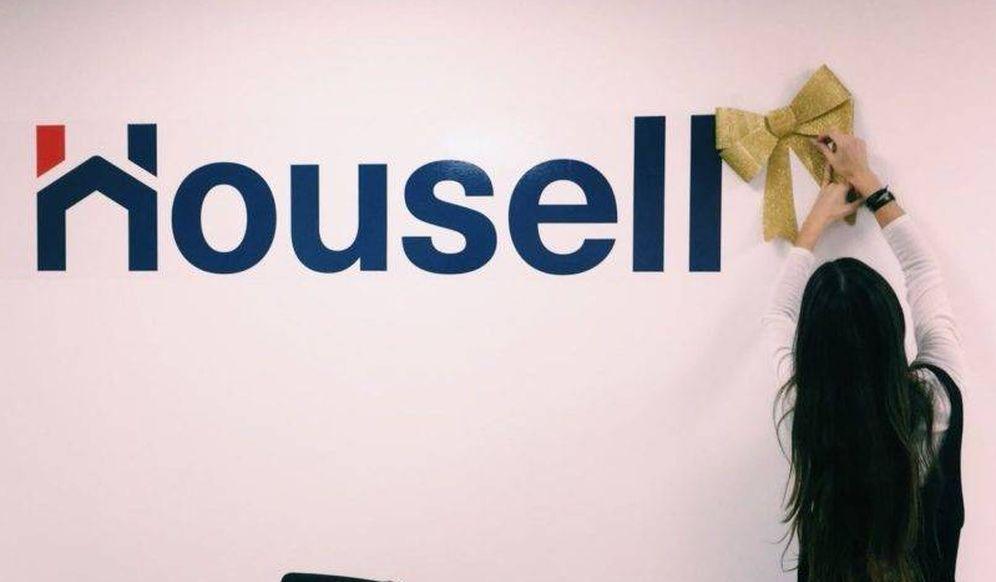 Foto: Logo de Housell en unas oficinas.