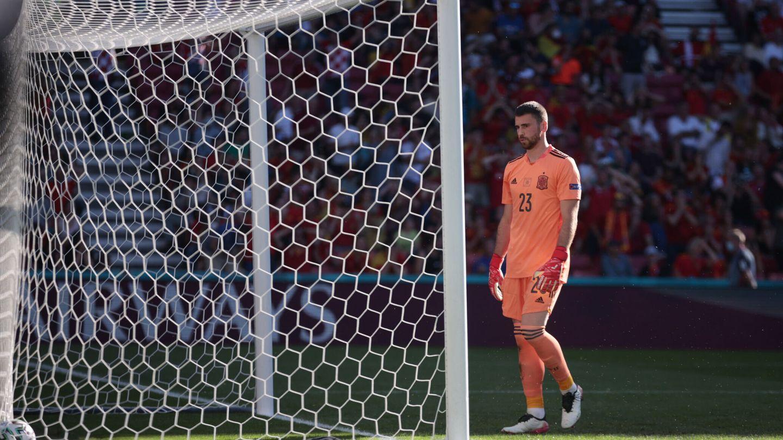 Unai Simón, tras su error en el primer gol. (EFE)