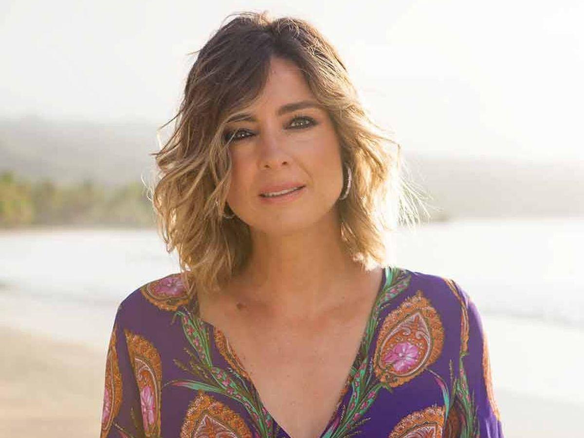 Foto: Sandra Barneda, en 'La isla de las tentaciones'. (Telecinco)