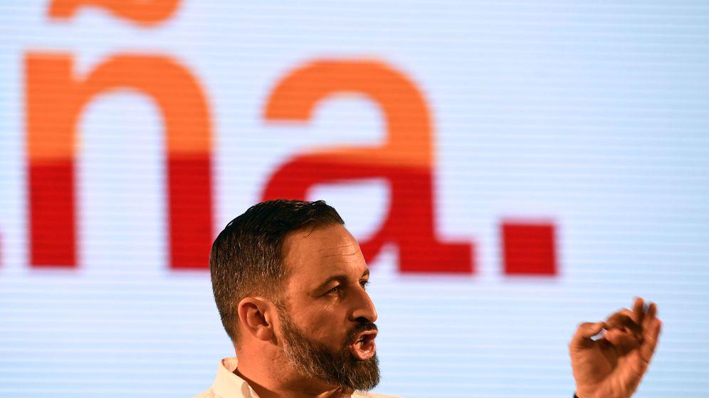 Foto: El líder de Vox, Santiago Abascal, durante un acto en Oviedo. (Reuters)
