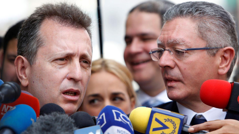 Javier Cremades (i) y el exministro Alberto Ruiz-Gallardón. (Reuters)