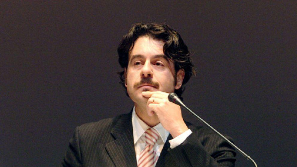 El barítono Carlos Álvarez dimite como presidente de su fundación