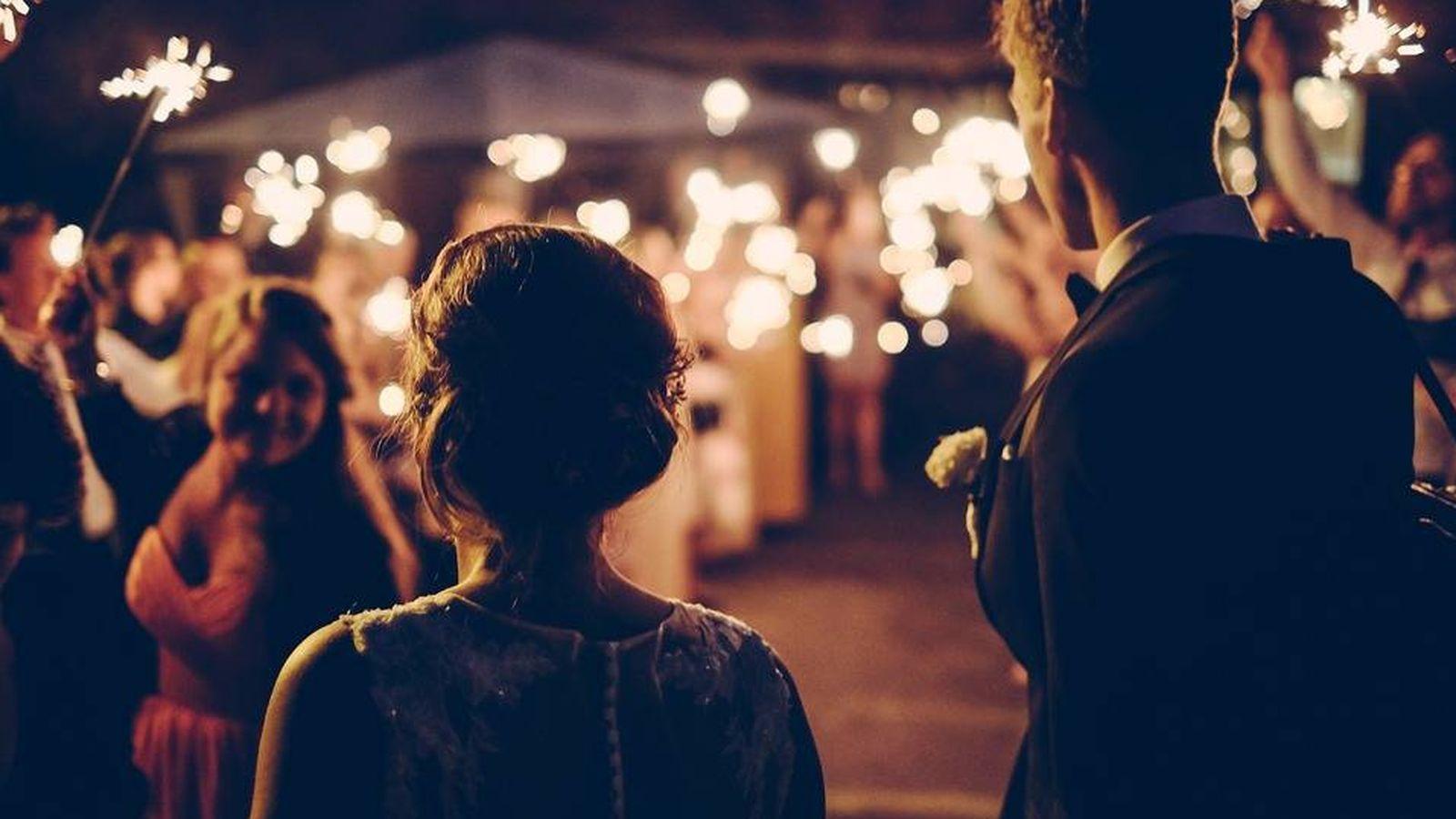 Foto: Una pareja celebra su boda. (Pixabay)