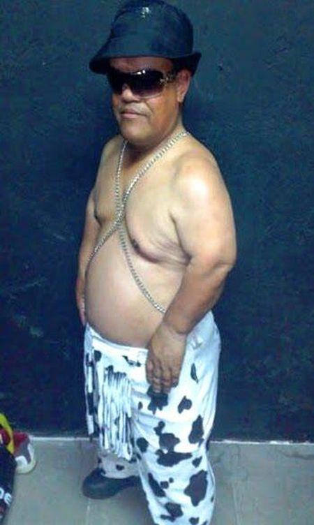 Foto: Perfil del falso chamán enano en la página de Los Pekeboy.