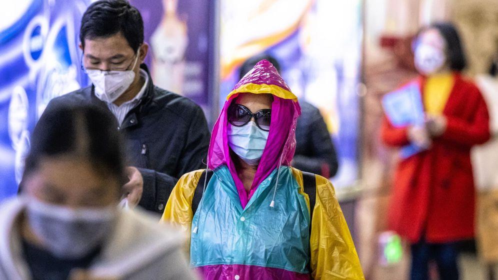 Foto: Gente en el metro en Guangzhou, China (EFE)