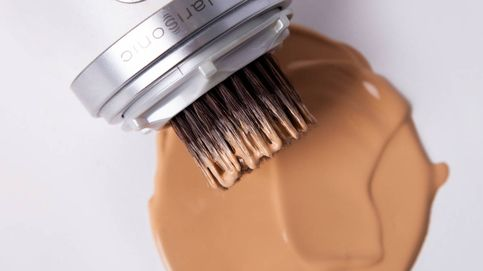 El invento que hará que te apliques la base de maquillaje sin esfuerzo