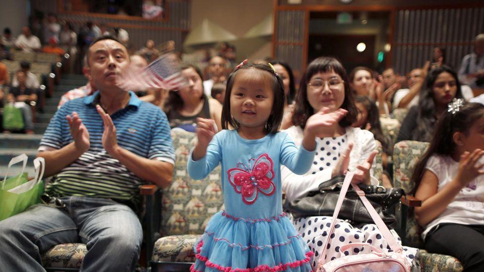 El sueño americano es de los asiáticos: ya ganan más que la media