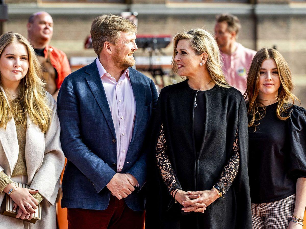 Foto: Los reyes de Holanda y sus hijas, de concierto. (EFE)