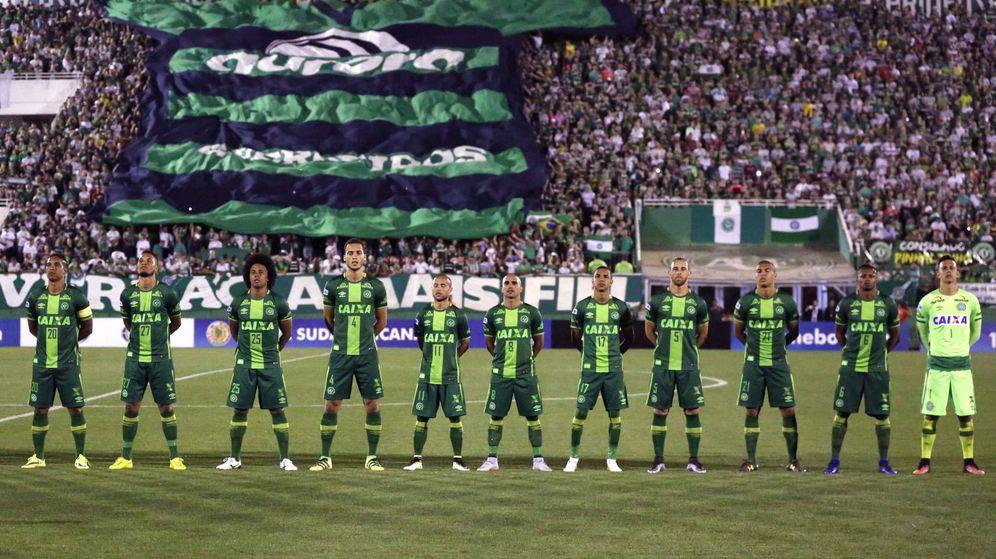 Foto: Formación del Chapecoense en la semifinal de la Copa Sudamericana (Fernando Remor/EFE)