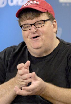 Moore dice que su nueva película sobre Bush será tan polémica que quizás no debería filmarla