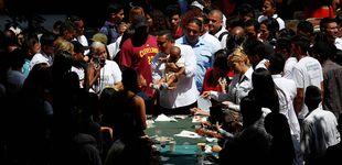 Post de Rezos, reparto de sopa y dólares falsos para vencer a Maduro