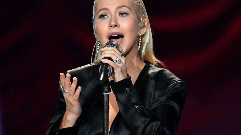 Foto: Christina Aguilera en un momento de la actuación en los American Music Awards.
