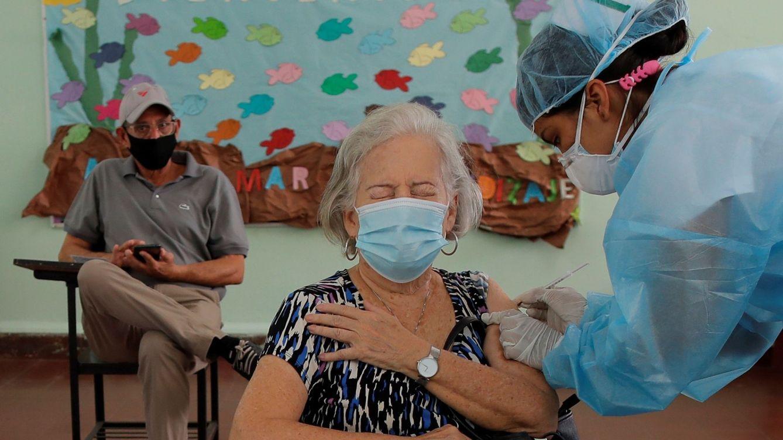 La vacuna de Pfizer reduce la mortalidad por covid en un 98%, según un estudio pionero