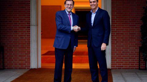 Sánchez no destapa el pack de iniciativas  que impulsará si Rajoy no dialoga