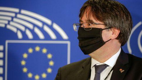El cruce de e-mails entre Vox y Puigdemont... a la vista de todo el Parlamento Europeo