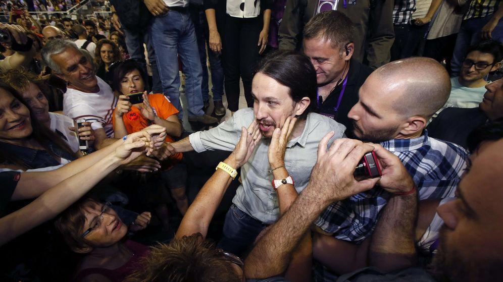 Foto: Pablo Iglesias durante su llegada al mitin de Podemos en Alicante, el pasado sábado. (EFE)