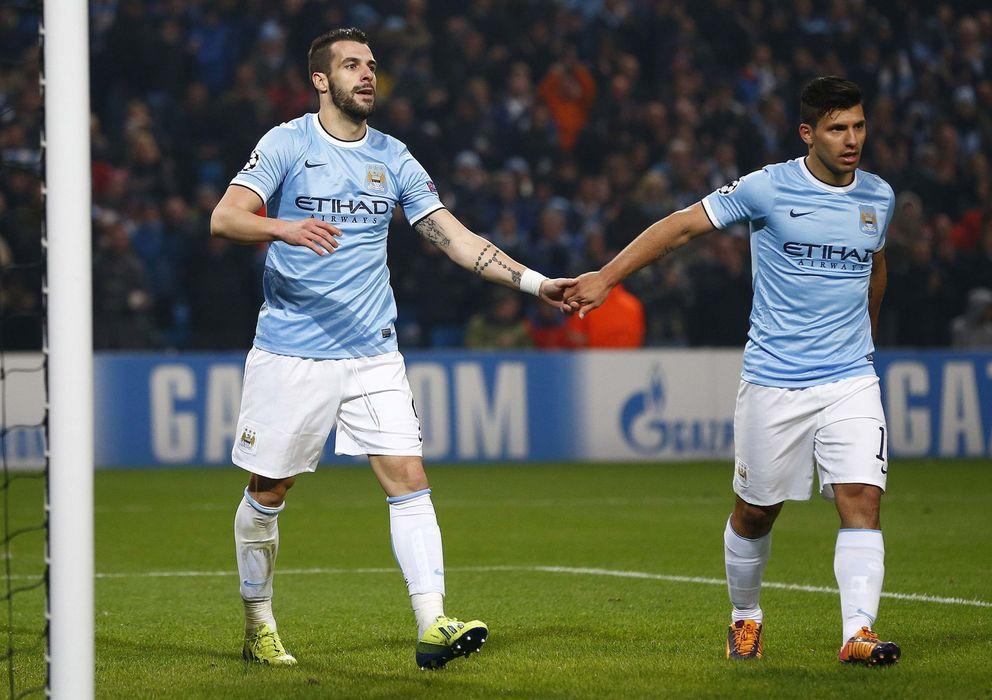 Foto: Negredo hizo tres tantos y Agüero dos en la goleada del City.