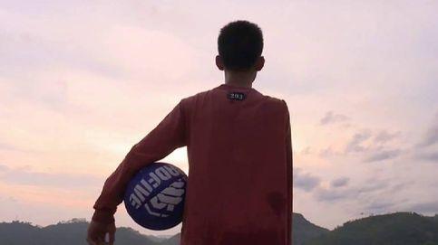 El niño de 14 años que se ha hecho viral por jugar al baloncesto con un solo brazo