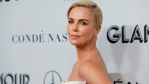 Charlize Theron vuelve a cambiar su bowl cut