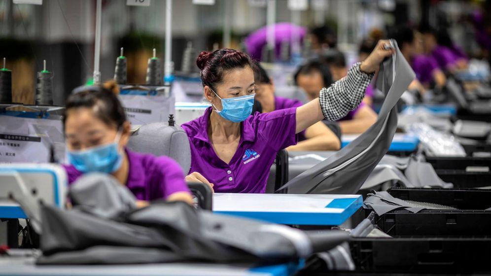 Foto: Una fábrica de productos de bebés en Dongguan (China). (EFE)