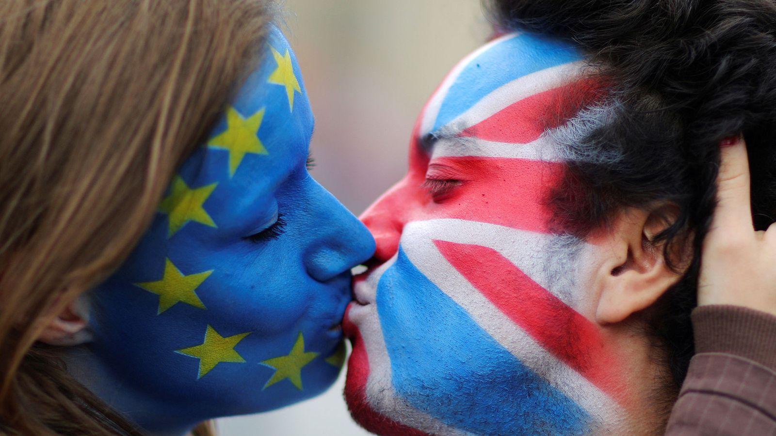 Foto: Así afecta el Brexit a los Erasmus, la industria del Motor, la Fórmula 1 y la Premier League (REUTERS)