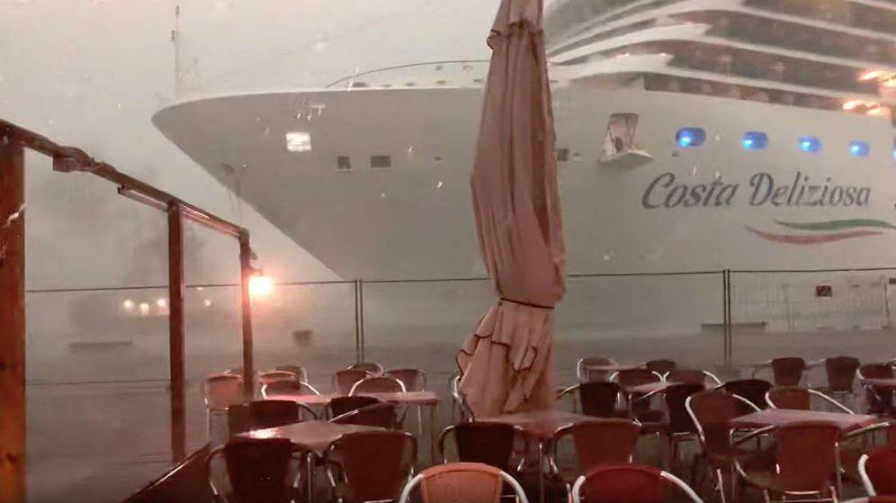 Foto: El Costa Deliziosa sembró el control en el puerto de Venecia