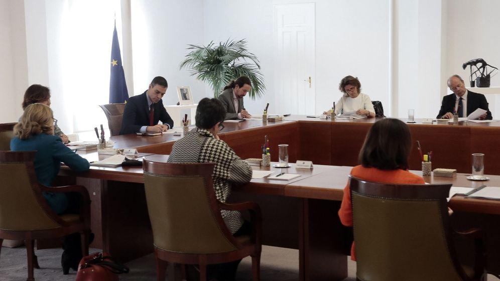 Foto: Pablo Iglesias acudió al Consejo de Ministros celebrado este sábado para decretar el estado de alarma. (EFE)