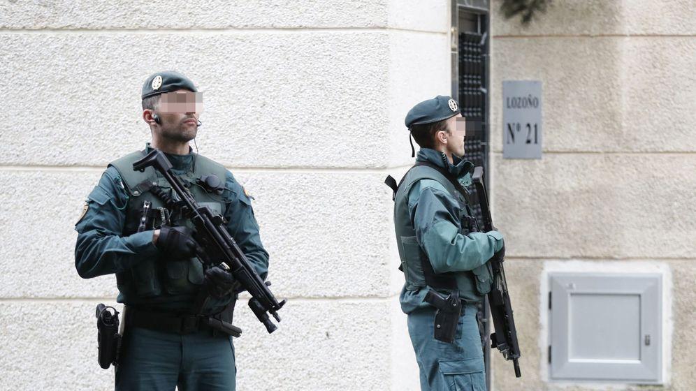Foto: Dos miembros de los GAR de la Guardia Civil. (EFE)