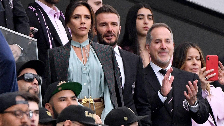 Victoria y David Beckham, viendo un partido de fútbol en LA en marzo. (Getty)