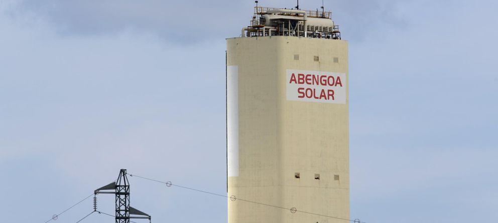 Foto: Torre de la Plataforma Solúcar de Abengoa Solar. (Reuters)