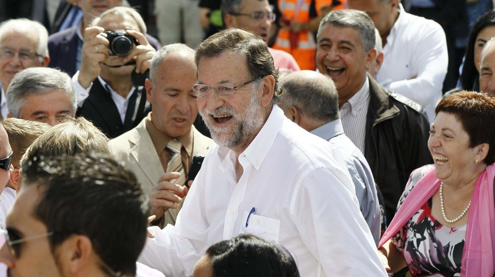 Foto: El presidente del Gobierno, Mariano Rajoy, en una visita a Portomarín. (EFE)