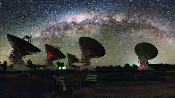 Astronomía Una Ráfaga De Radio Permite Pesar La Materia Que Forma