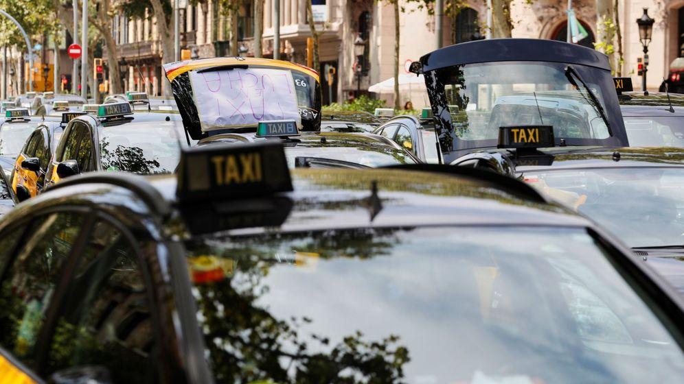 Foto: Huelga de taxis en Barcelona. (EFE)