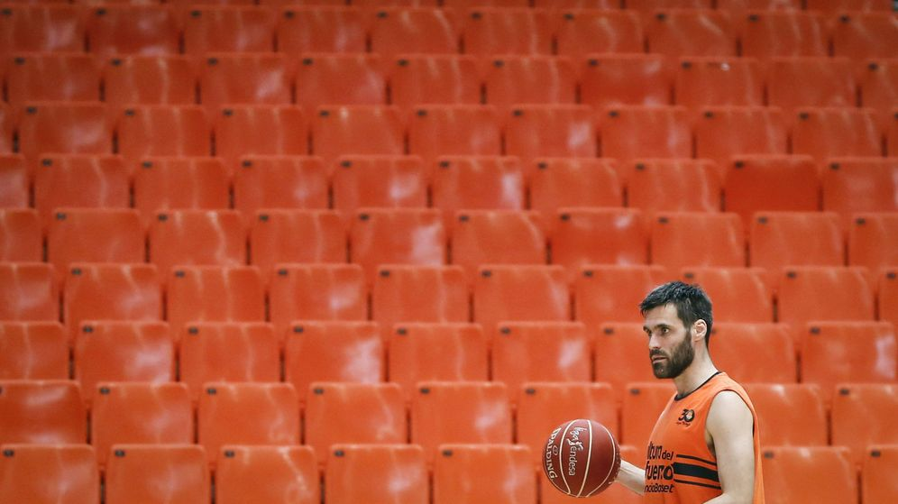 Foto: Fernando San Emeterio fichó en 2015 por el Valencia Basket. (EFE)