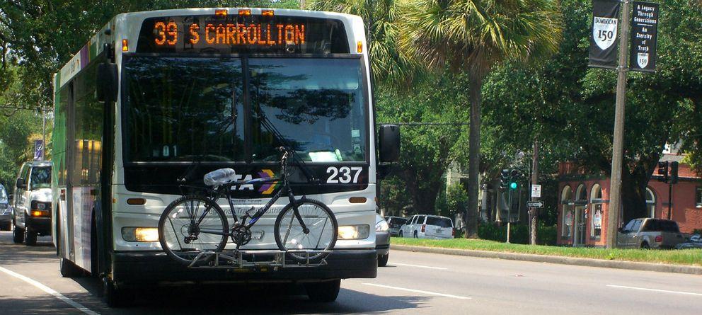 Foto: Cómo llevar las bicicletas en el autobús según un joven ingeniero español