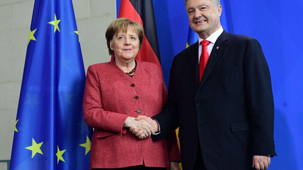 Foto: Angela Merkel y Petro Poroshenko. (EFE)