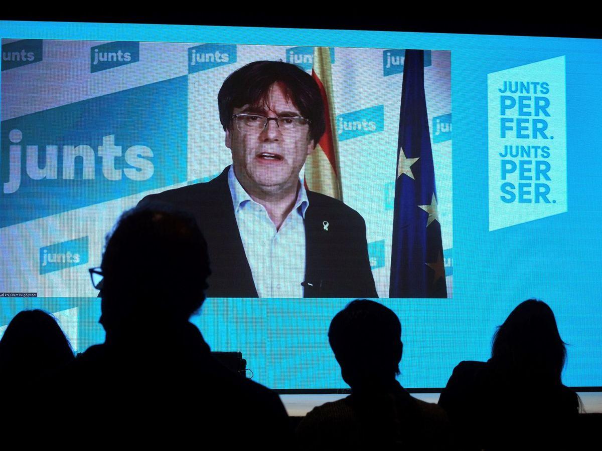 Foto: El 'expresident' de la Generalitat Carles Puigdemont, durante un acto electoral de JxCAT. (EFE)